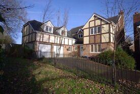 5 bedroom detached house Rhodfa'r Mes Broadlands