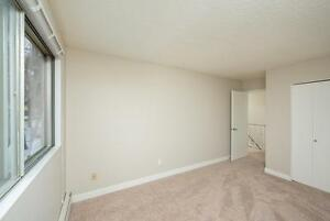 *MOVE IN NOW~DON'T PAY TILL MAY* 2 Level 2 Bdrm by Kingsway~186 Edmonton Edmonton Area image 11