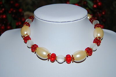 VINTAGE STRAND NECKLACE FAUX ACRYLIC MELON PEARLS WITH RED & FROSTED GLASS BEADS