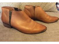 Ladies Leather Ankle Boot - by Bertie