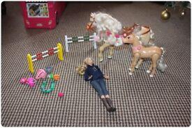 Barbie Bundle (see both photos) dolls / horses / sea World etc