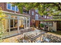 3 bedroom Flat for Sale in Bethnal Green