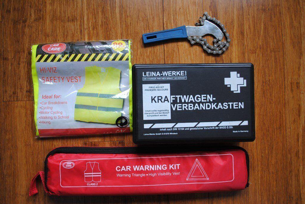 Car Safety Kit Safety Triangle Hi Viz Vest First Aid Oil Filter