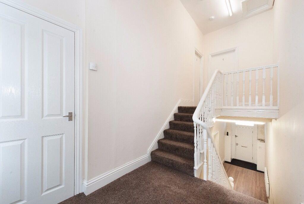 Luxury 1 Bed spacious Studio flats with en-suite's - Palllion, Sunderland, SR4 - rooms