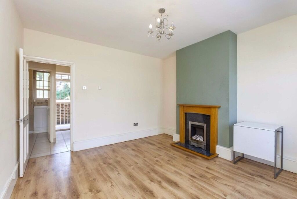 TWO BED FULLY FURNISHED AVAILABLE IN BOW