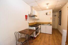 Double studio apartment in Kember Street, Islington, N1 Ref: 916