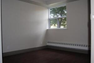 Spacious, Affordable, and Centrally Located 1 Bedroom Apartments Peterborough Peterborough Area image 5