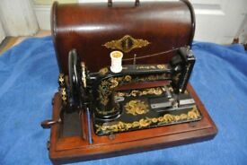 Antique Victorian SINGER 48K Sewing Machine with Case.