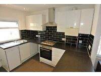 Lovely first floor flat in house conversion with own entrance near Queens Park Station