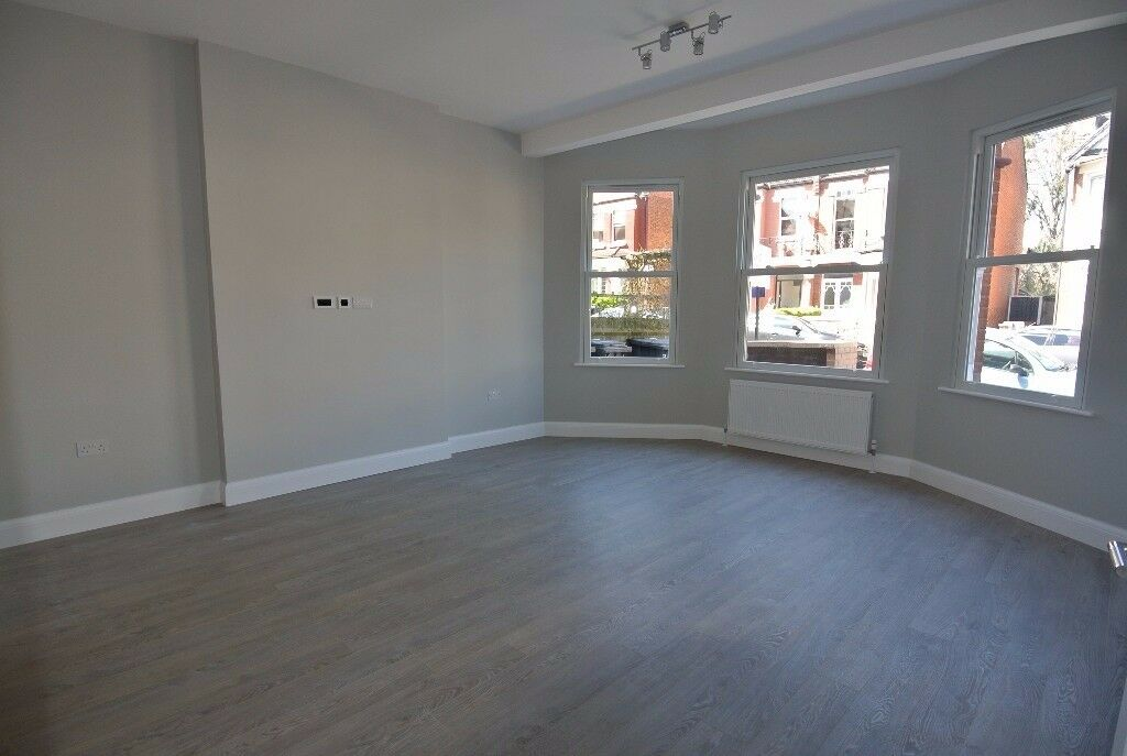 Beautiful ground floor 2 bedroom flat with 100ft garden just 5 mins walk to Willesden Green station