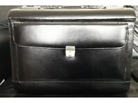 LARGE LEATHER WHEELED BEAUTICIANS CASE WITH LONG HANDLE
