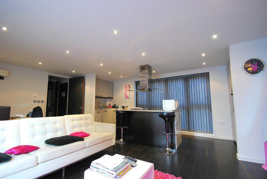 First Floor One Bedroom Flat in Modern Development - St John's Wood