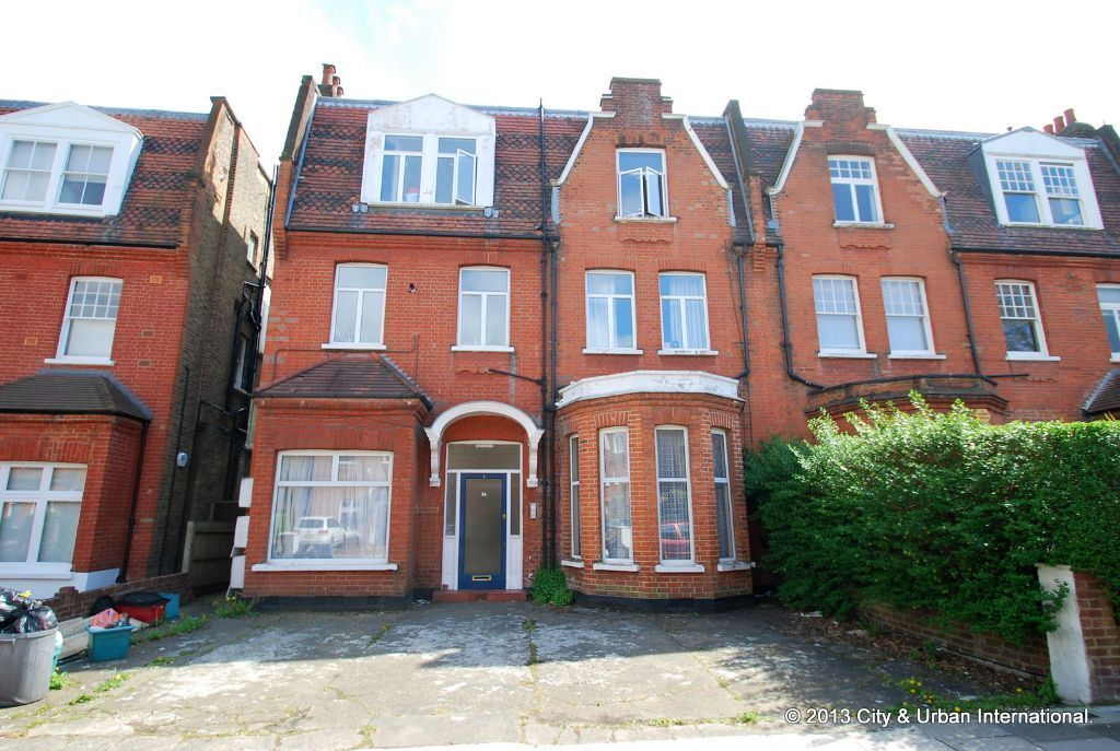 Spacious three bedroom period property in South Hampstead NW3