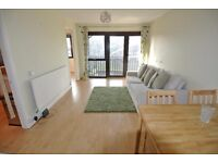 2 bed flat located on second floor of purpose built apartment block in the heart of Brondesbury Park