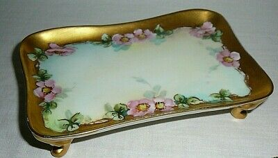 Approximately  5 12 W x 4 14 L x 1 12 H Vintage Pie DishSoap Dish Pair Green and Co. England