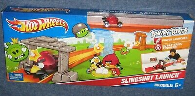 HOT WHEELS: ANGRY BIRDS SLINGSHOT LAUNCH TRACK SET - NEW IN SEALED BOX (M49)