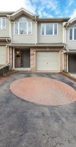 Beautiful, Clean, Spacious St. Catharines Town House