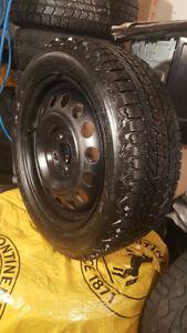 4 pneu d'hiver Firestone 215 55R 17 &Jantes l'acier(5x114.3)