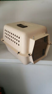 Pet transport crate for small pet