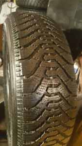 4 pneu d'hiver Goodyear Nordic 205 70R 15 @ 10-11/32 comme neuf