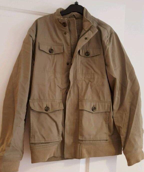 GAP men's jacket/coat- New condition -medium size