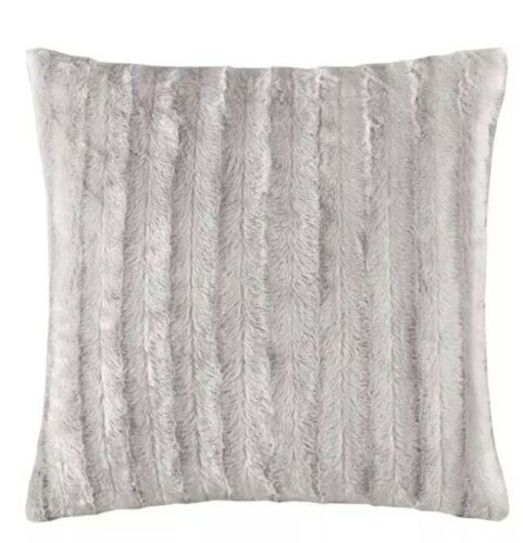 "Madison Park Duke Ribbed 20"" Square Faux-Fur Decorative Pill"