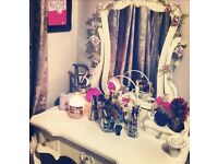 French Shabby Chic Dressing Table with Mirror - Off white/Cream