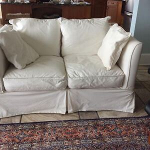*LUXURIOUS* Comfortable & Washable* COUCH & LOVE SEAT & OTTOMON