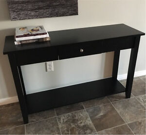 ANDOVER MILLS CONSOLE TABLE-EXCELLENT CONDITION!