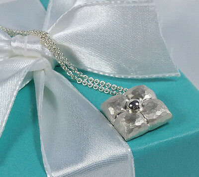 Tiffany & Co. Paloma Picasso Fiori Flower Hammered Pendant Necklace Silver 925