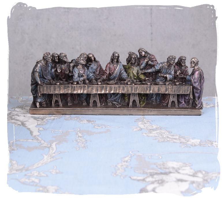 Last+Supper+of+Jesus+with+his+apostles+sculpture+Leonardo+da+Vinci+sacral+figure