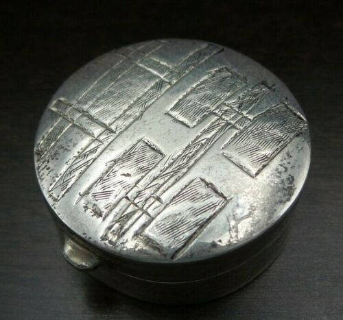 Stylish Vintage Mid-Century Round Sterling Silver Pill Box