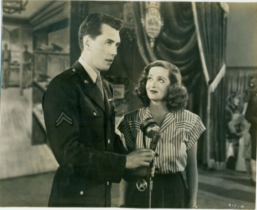 BETTE DAVIS ROBERT HUTTON Hollywood Canteen Orig 1944 Photo