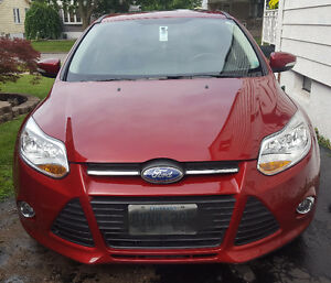 2013 Ford Focus SE + sport pack Hatchback