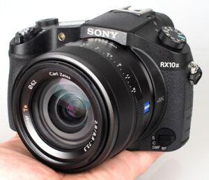 Caméra DSC-RX10M2 avec 4 batteries + filtre UV + 64 GB ssd + sac
