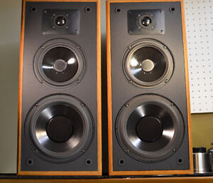 POLK AUDIO MONITOR 5 SERIES 2 SPEAKERS *BEST IN CLASS SOUND*