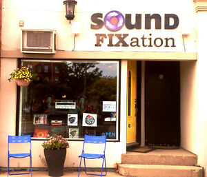 Buying Records and audio equipment Stratford Kitchener Area image 5