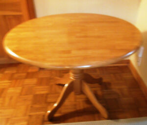 Dining oak table/ Table a manger en chene
