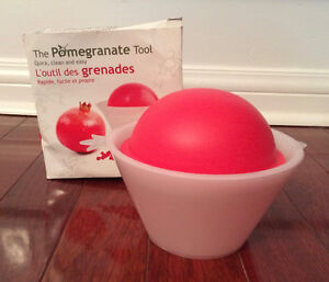 THE POMEGRANATE TOOL – NEW IN PKG