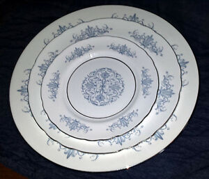 Dinnerware Aynsley Venetian  #138 china