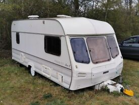 LUNAR PREMIERE 515 lux E 5/6 berth caravan. NO DAMP. Carver heater. Ga