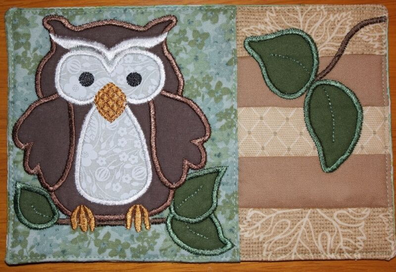 APPLIQUED & MACHINE-EMBROIDERED OWL MUG RUG