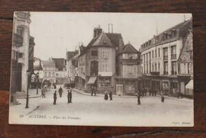 CPA-Auxerre-Place-des-fontaines-Rue-commerces-Coutellerie-Belorgey