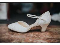 Cream Lace Wedding Shoes Size 6