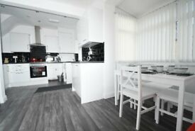 ***NO DEPOSIT! Students! Secure a room now and adjust the moving in date on your return to Uni!***
