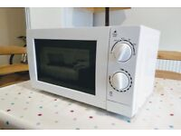 *Great Offer* MICROWAVE + TOASTER working perfectly