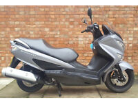 Suzuki Burgman 125 (66 REG) Matt grey, Excellent condition, Only 840 miles