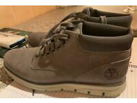 Timberland Men's Boots uk9. Grey Leather