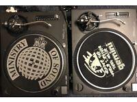 Technics turntables sl 1210 mk2 with pair of serato vinyl