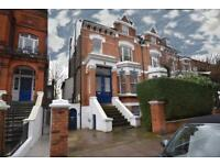 4 bedroom flat in Greencroft Gardens, London, NW6